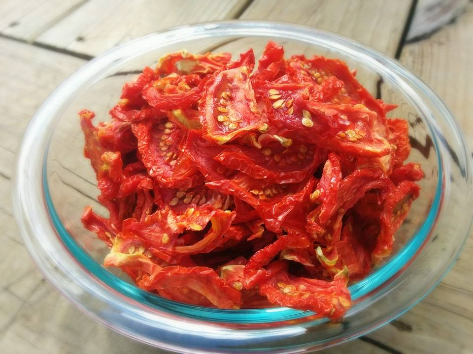 HOMEMADE SUN-DRIED TOMATOES - A Taste For Spice